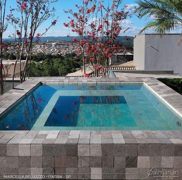 Comprar pedras para piscina